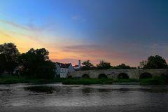 Harburg und steinerne Brücke an der Wörnitz