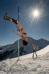 hard core pole dance ...
