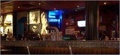 ... Hard Rock Cafe ...
