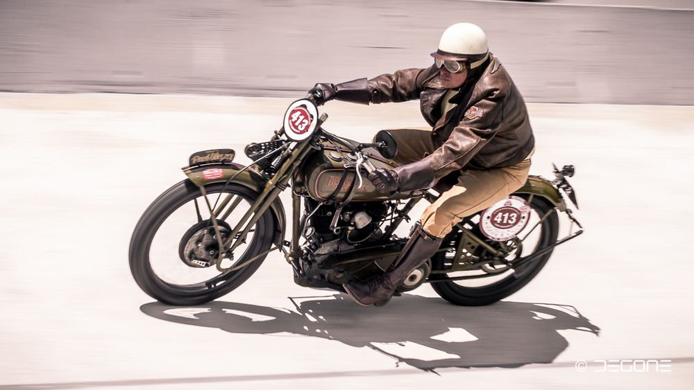 Harley Boardtracker