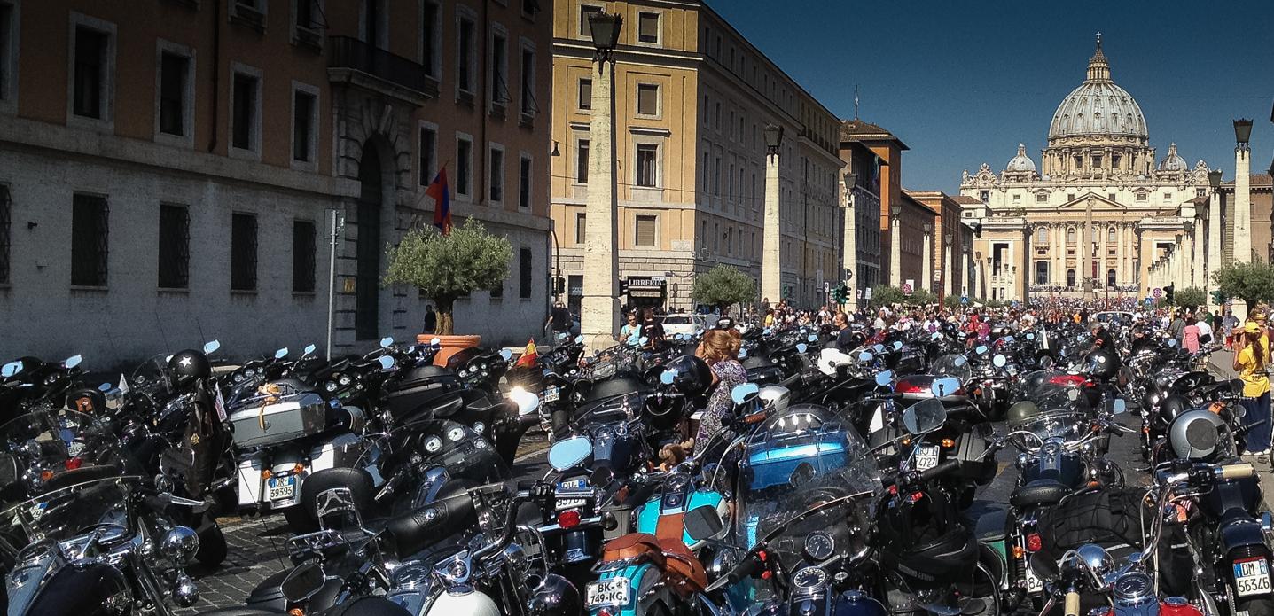 Harley-Davidson Segnung durch Papst Franceso 16.6.2103