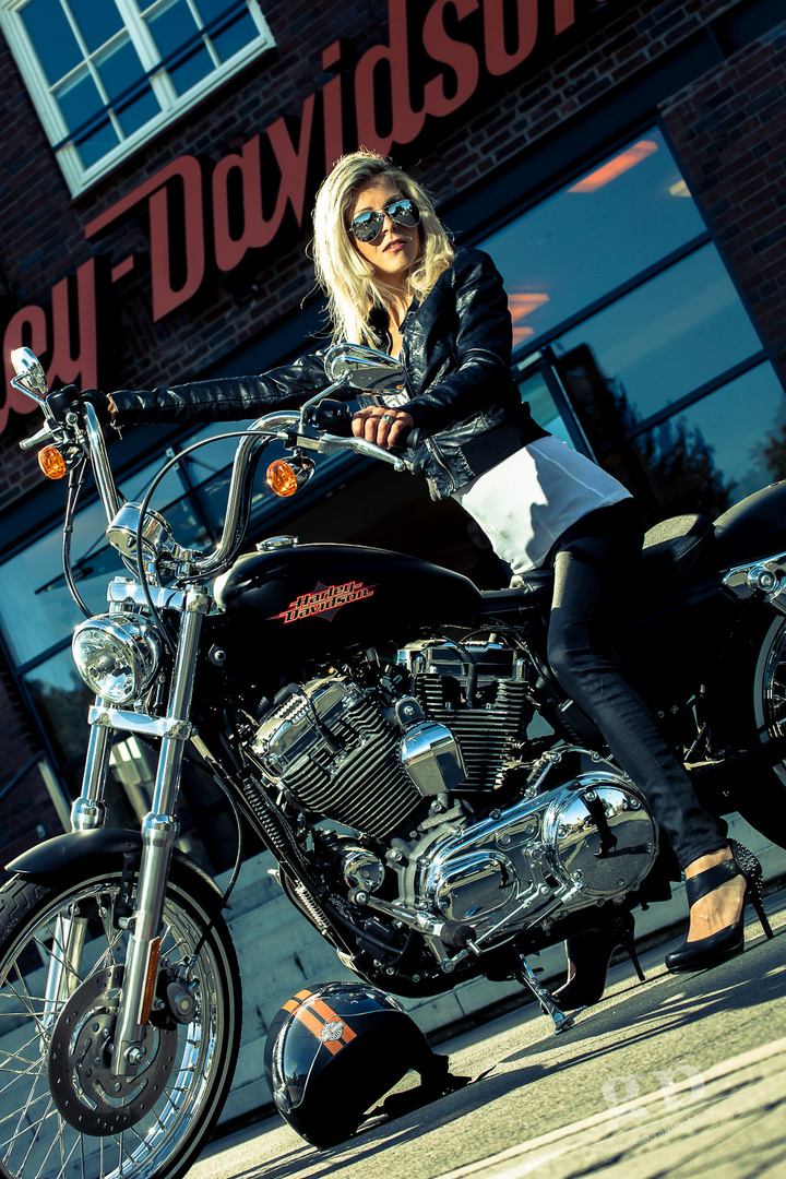 Harley-Girl