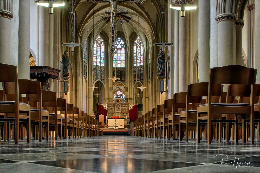 Hasselt .... St.-Quintinus-Kathedrale