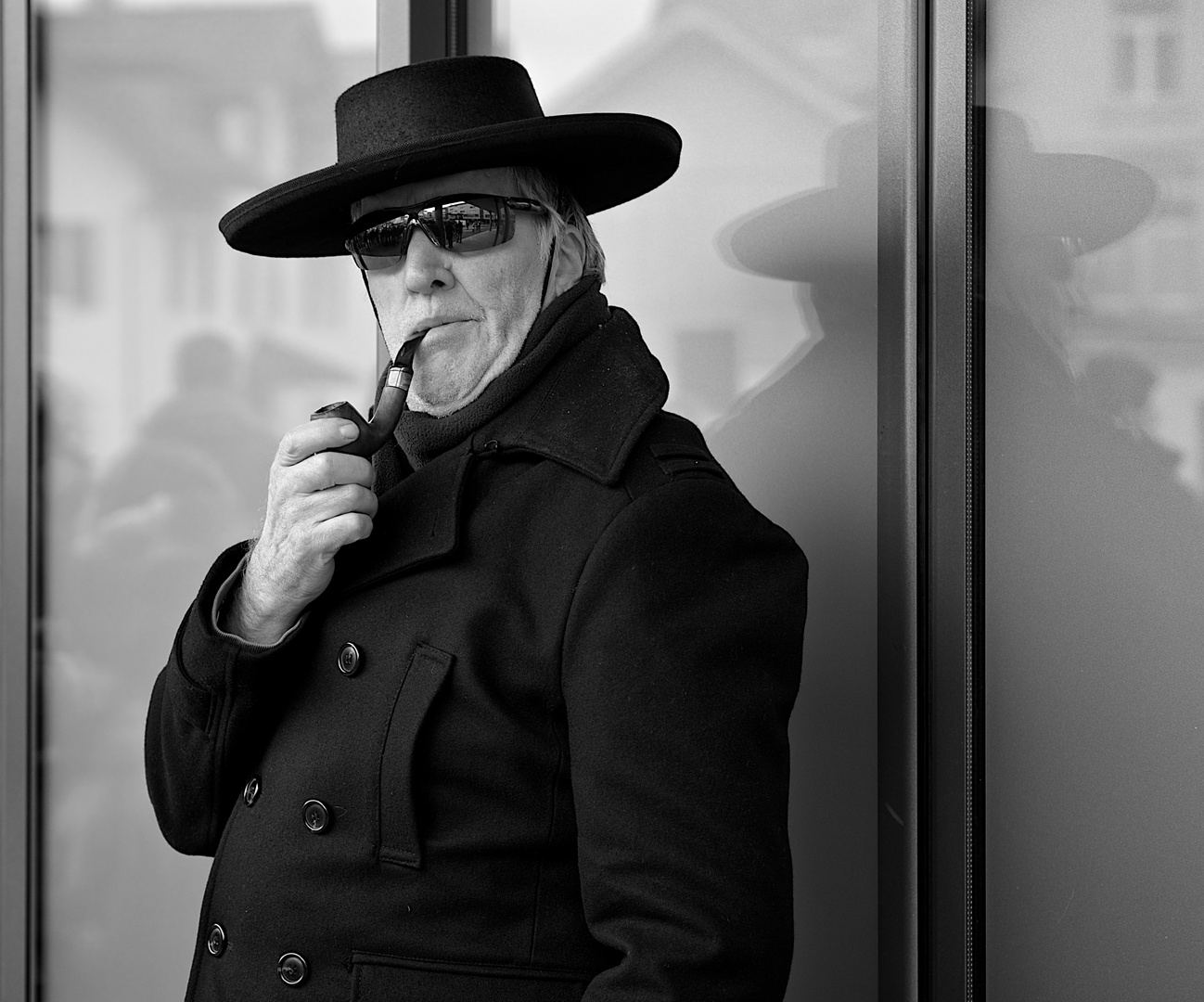 hat and pipe...
