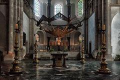 Hauptaltar in St. Aposteln