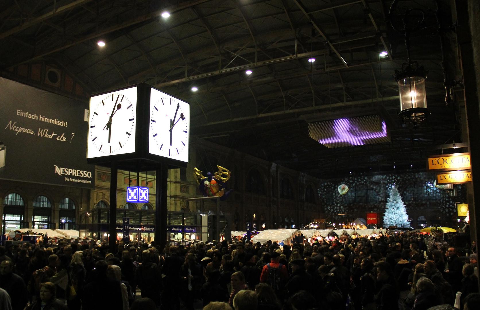 Hauptbahnhof im Dezember