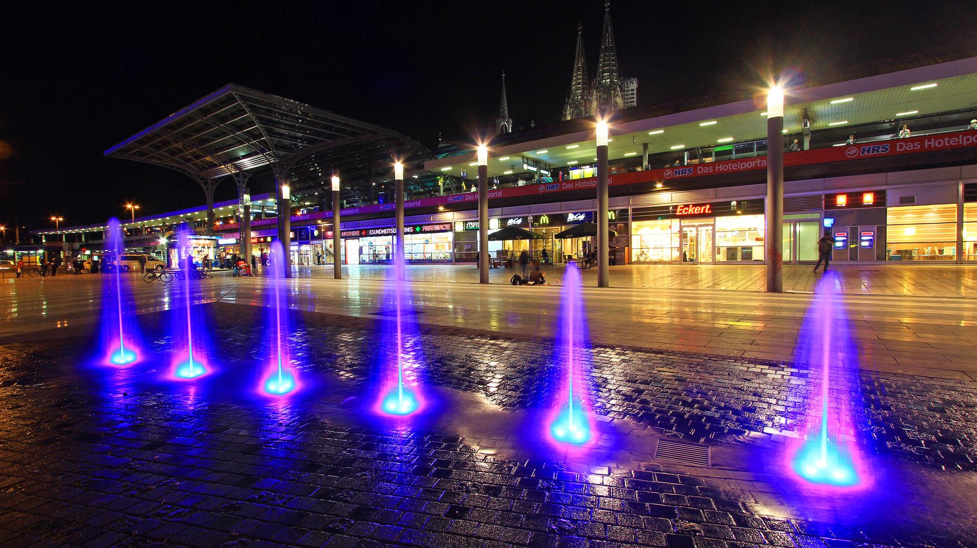 Hauptbahnhof Köln @ night