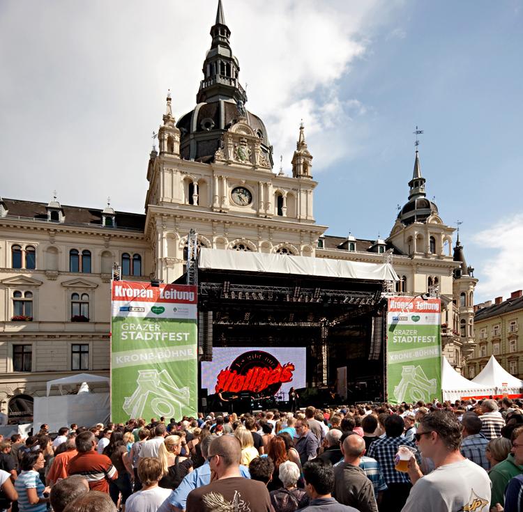 """Hauptbühne vor dem Grazer Rathaus mit """"Vollgas""""! (10)"""