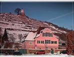 """Haus """"Fliegenwedel"""" im Schnee"""