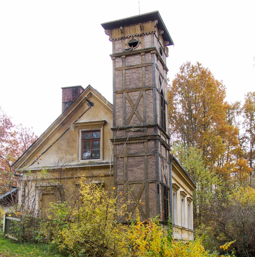 Haus Bild: Haus Mit Fachwerkturm Foto & Bild