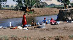 Hausarbeit an einem Nilkanal