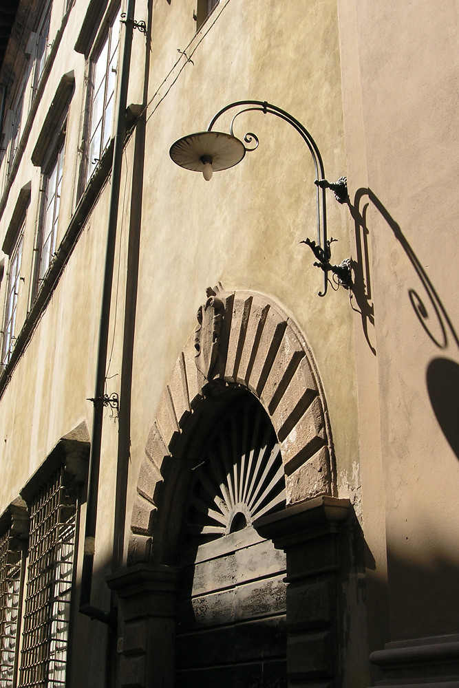 Hauseingang in Lucca/Toscana