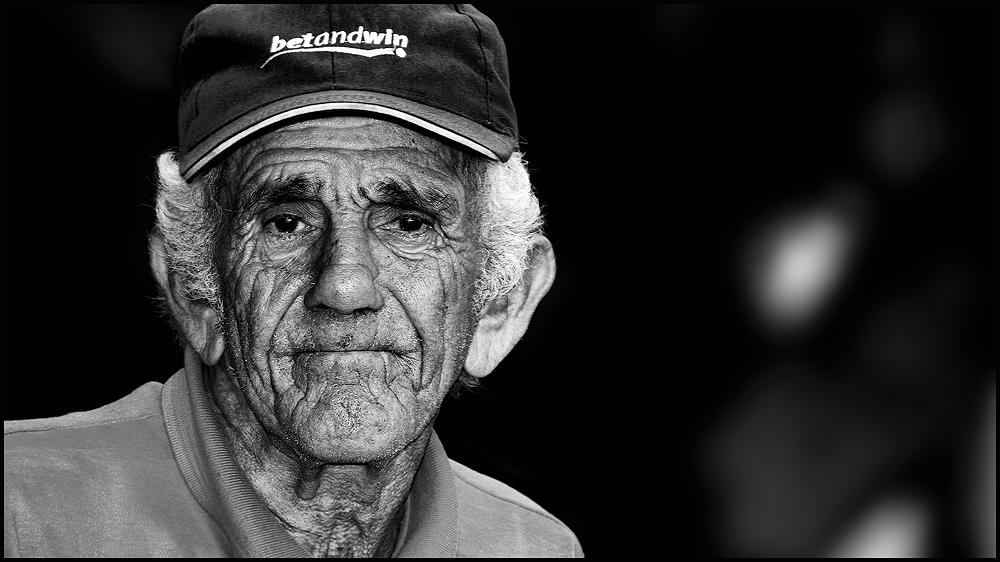 Havanna - alter Mann am Straßenrand
