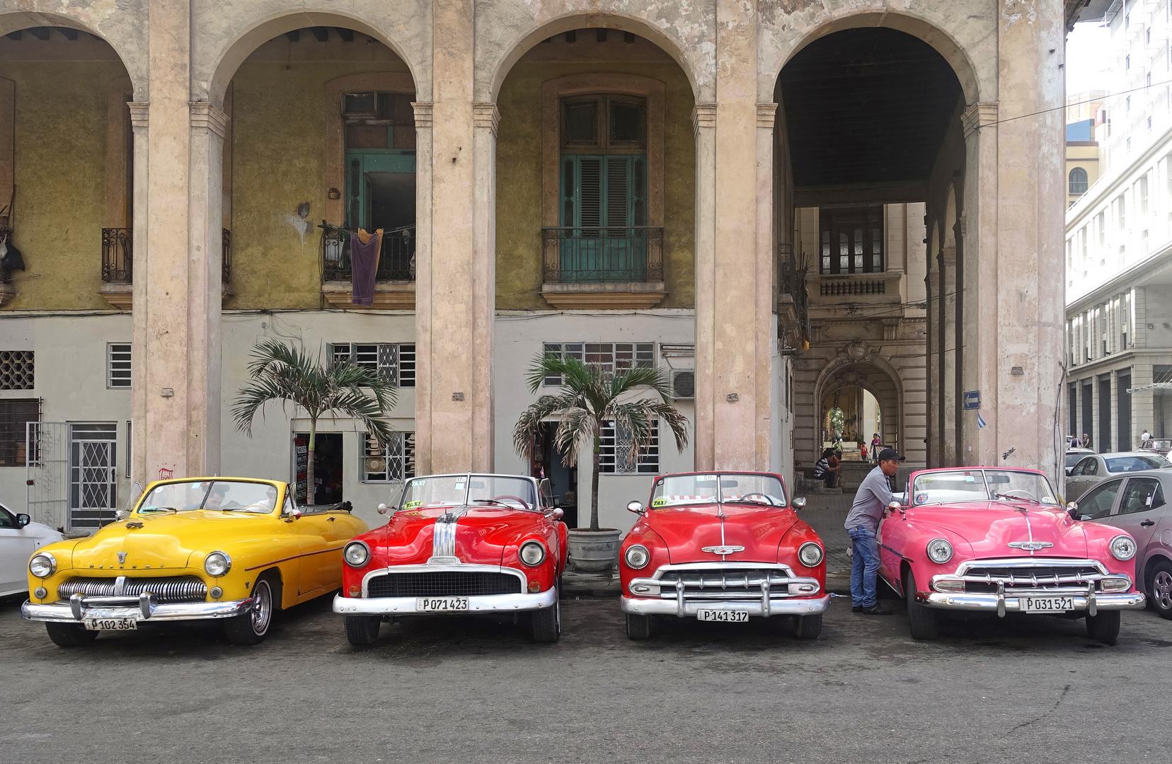 Havanna - Oldtimer in der Altstadt