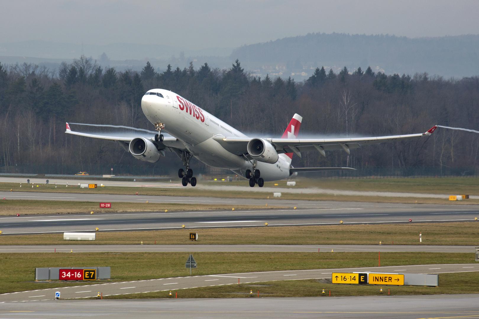 HB-JHI A330