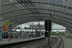Hbf./ Lehrter Bahnhof, Gleisebene 11-16 (3.)