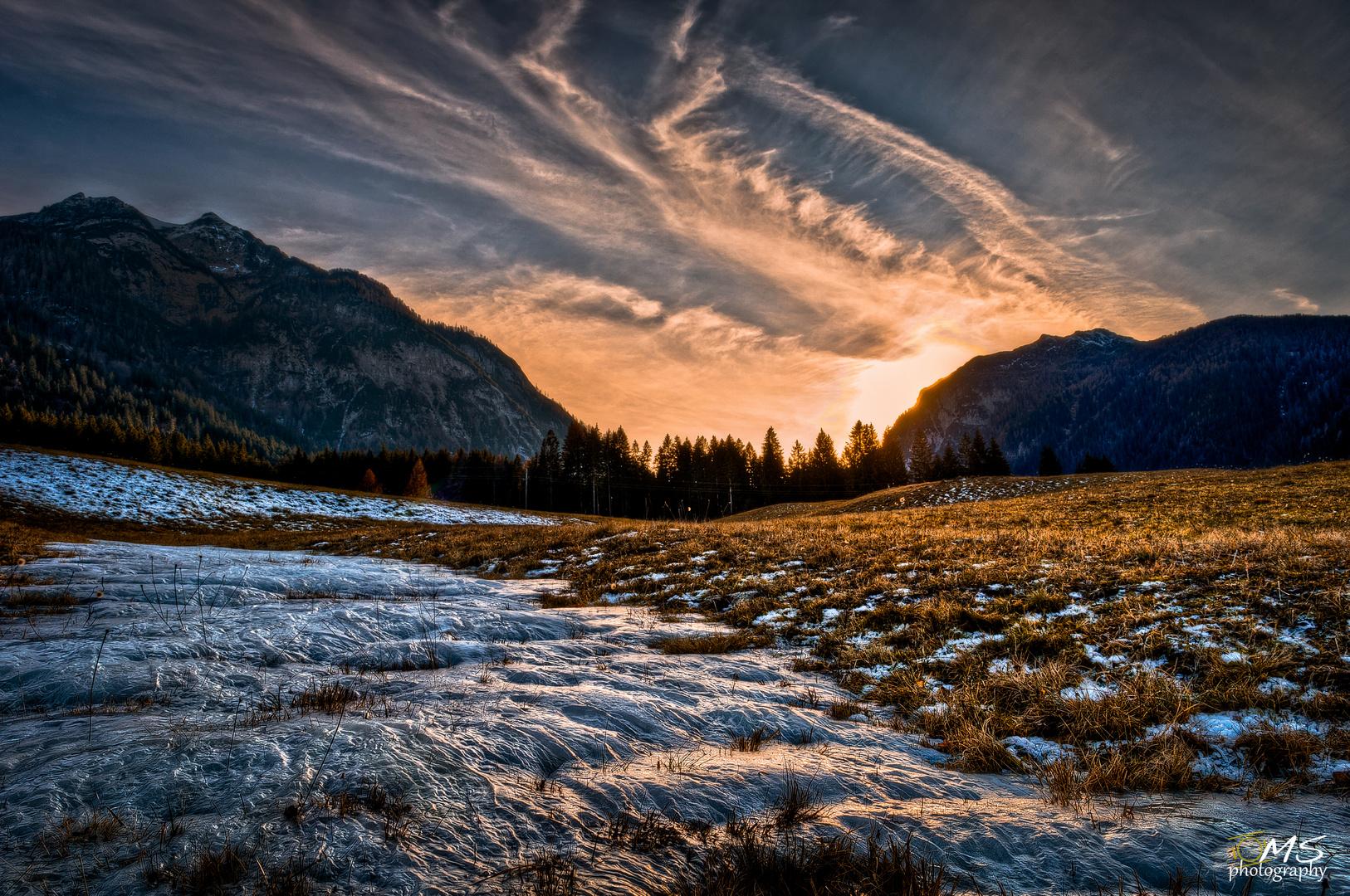 ... HDR Sonnenuntergang im Herbst ...