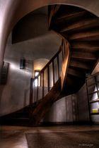 HDR: Treppe in der Pfarrkirche St. Magareta in Ampfing (Lkr. Mühldorf am Inn)