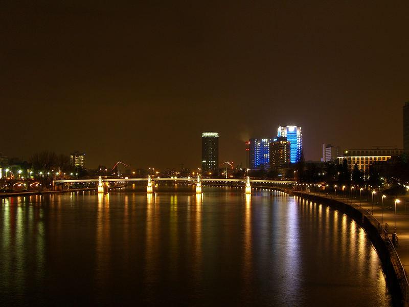 [HE] Frankfurt/Main - eine Mainbrücke