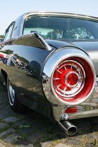 Heckleuchte 1: 1963 Ford Thunderbird