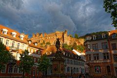 Heidelberger Schloss in der Abendsonne vom Kornmarkt aus