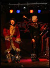 Heidenlärm lässt die Puppen tanzen