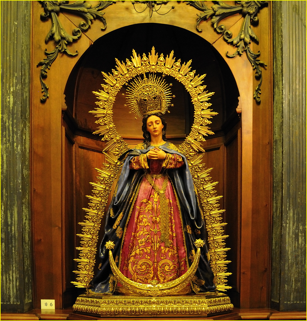 Heilige Jungfrau des größten Leidens in der  Kathedrale Santa Maria la Mayor