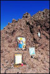 Heiligenbilder am Krater des Vesuv
