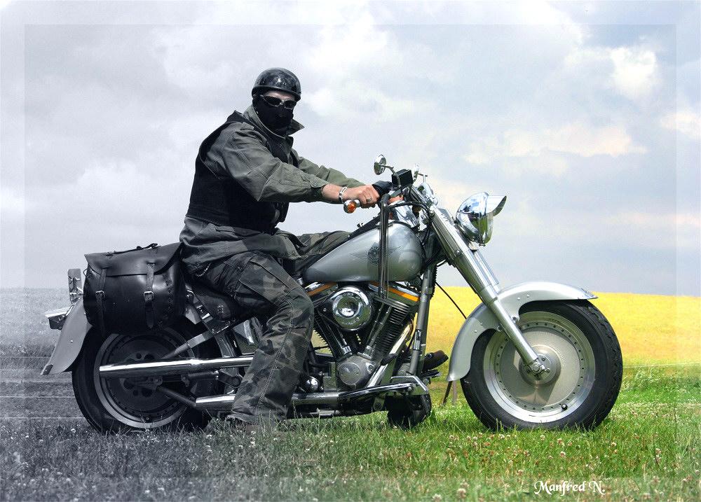 Heiner mit Harley auf Tour!