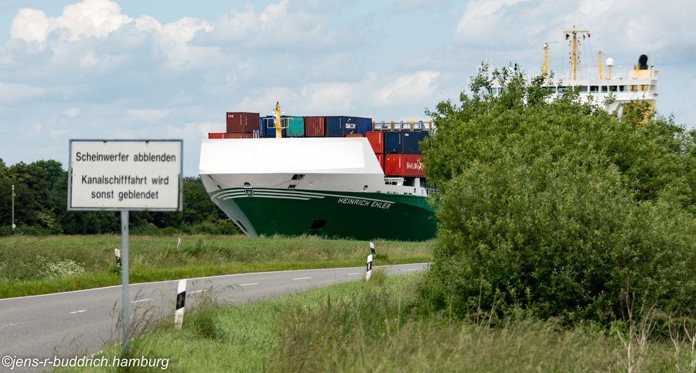 Heinrich im Kanal