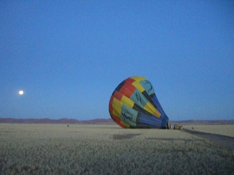 Heiss Luftballon über Sossusvlei