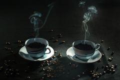 Heißer Kaffee am kühlen Morgen