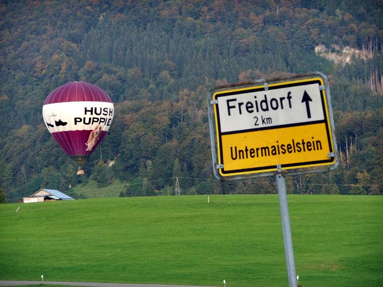 Heißluftballon mit Hund