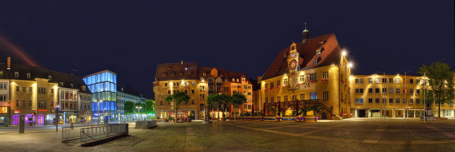 Helbronn. Architektur gegenüber am Marktplatz
