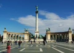 Heldenplatz in Budapest ...