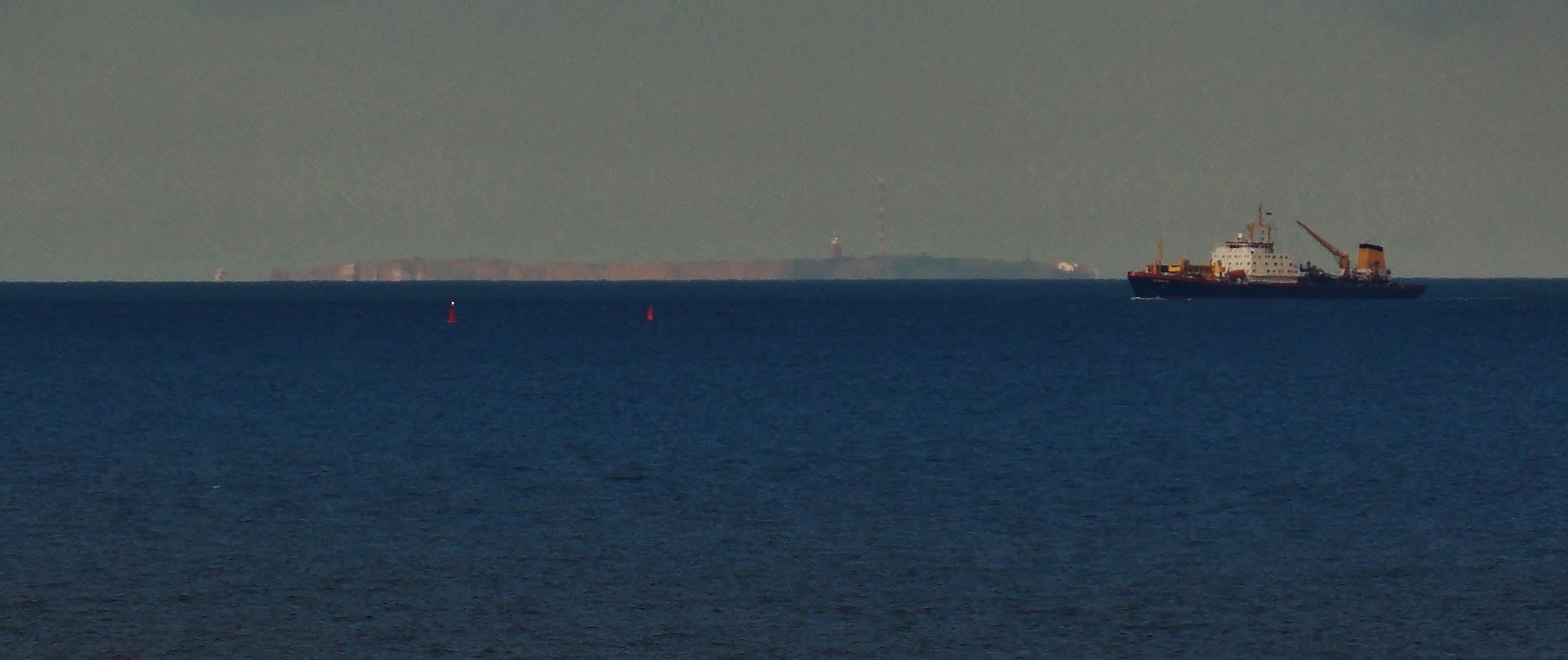 Helgoland von Wangerooge aus gesehen