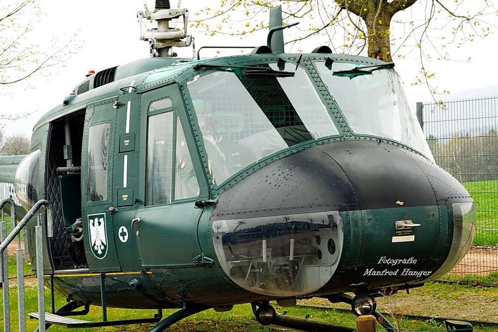 """Helikopter """"Bell UHD"""""""