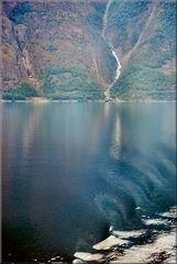 * Hellesyltfjord *