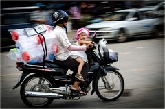 Helm ist Pflicht. Für den Fahrer.