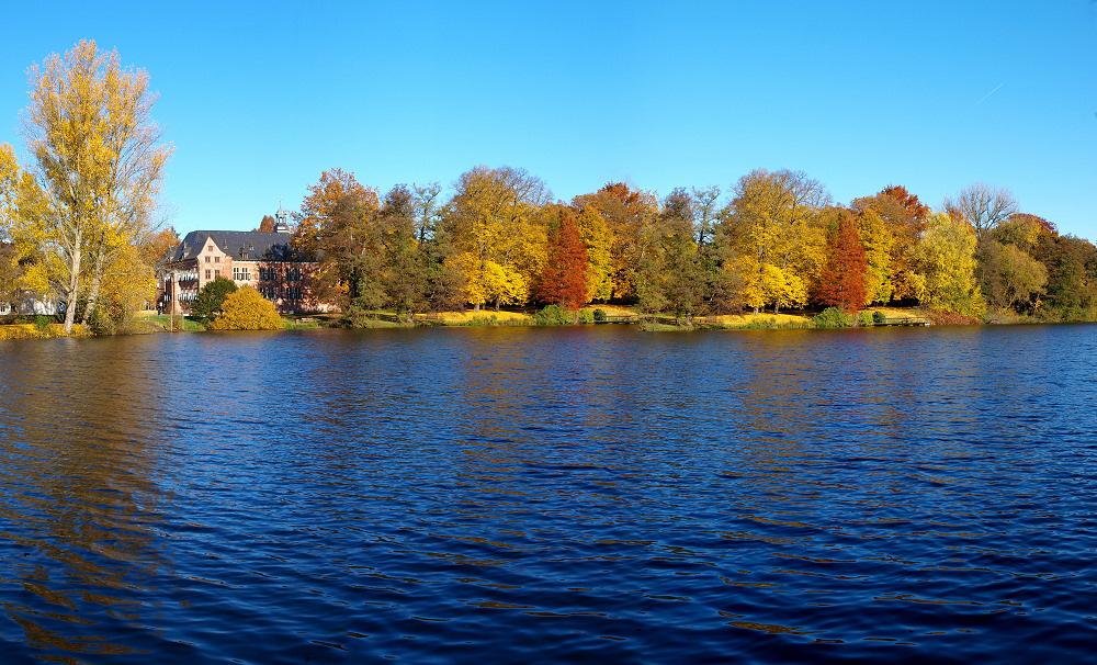 Herbst am Schloßteich in Reinbek