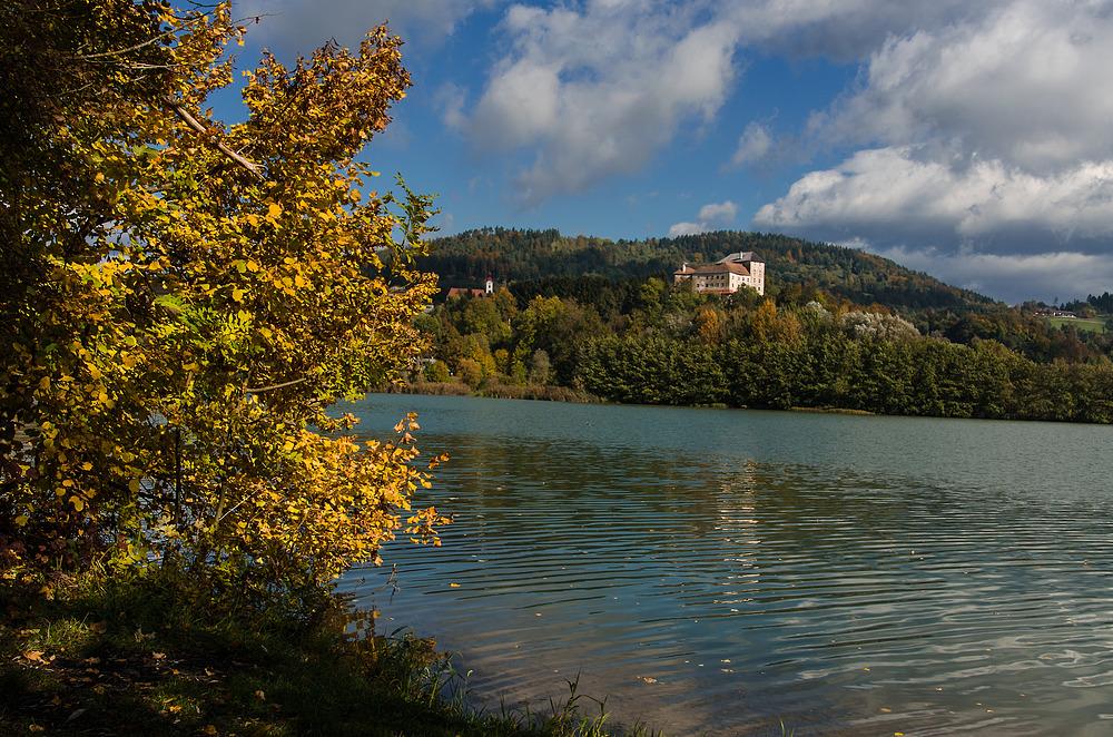 Herbst an der Drau - Schloss Neudenstein