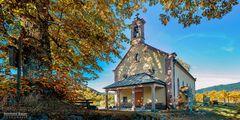 Herbst an der Kapelle