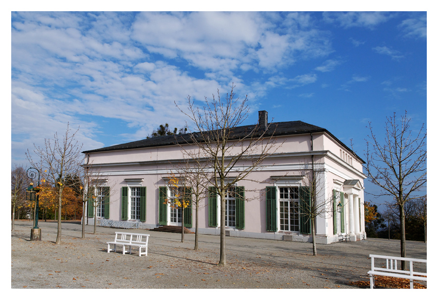 Herbst im Bergpark: Ballhaus
