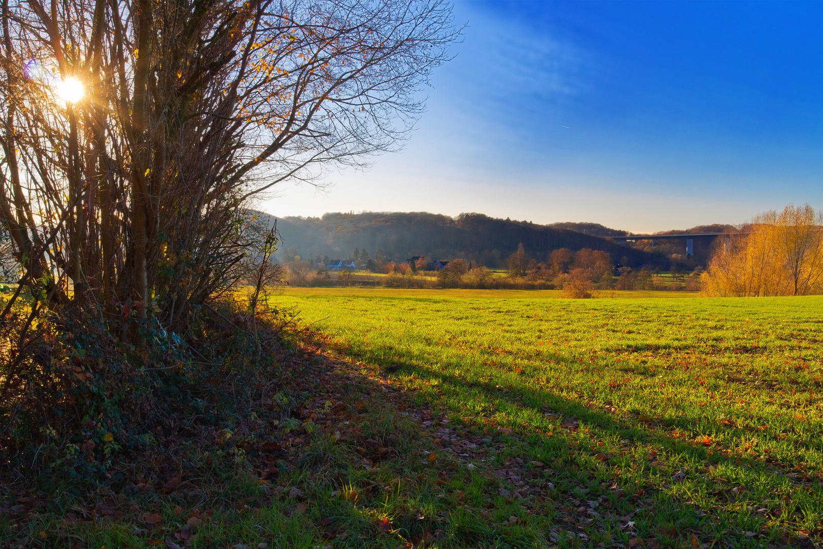 Herbst im Ruhrtal mit Blick auf Mintard
