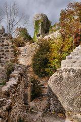 Herbst in den alten Gemäuern....(1)