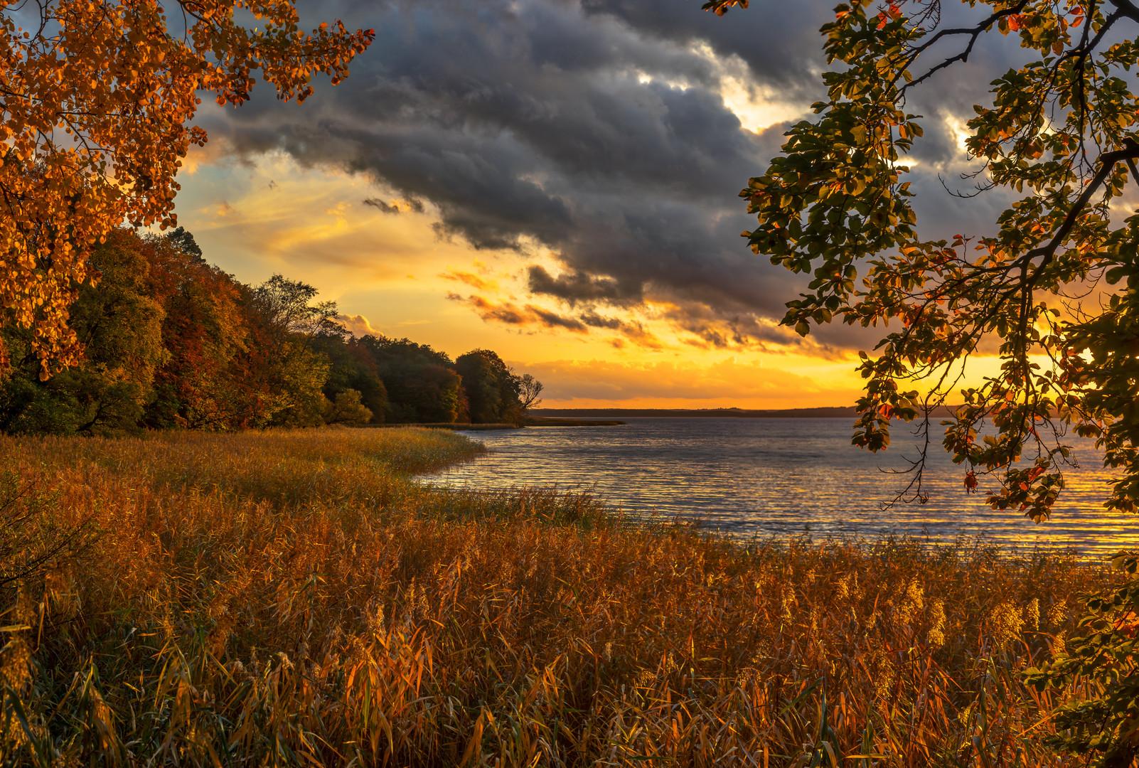 Herbstabend am Tollensesee