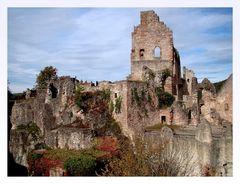 """"""" Herbstfarben haben die Burg eingenommen """""""