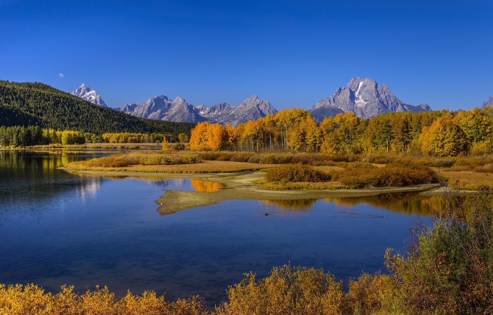Herbstlandschaft am Oxbow Bend gegen Teton Range, Wyoming, USA