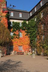 Herbstliche Fassadenfarben