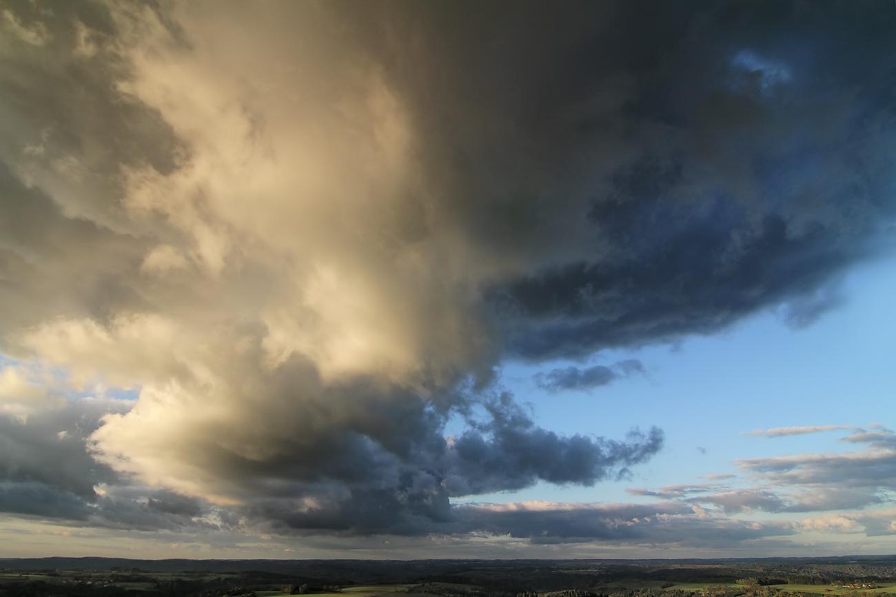 herbstliche Wolkenformation